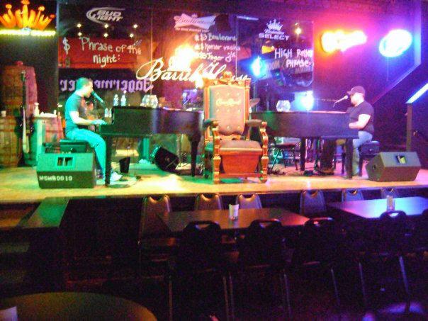 ny-ny-dueling-pianos-bar